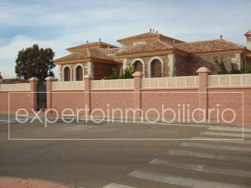 Casa en almeria almeria for Casa ciudad jardin almeria